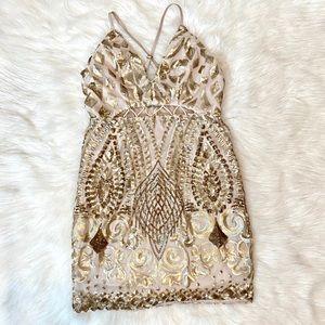 🆕 NWT! Xenia Gold Sequin Mini Dress - Size M